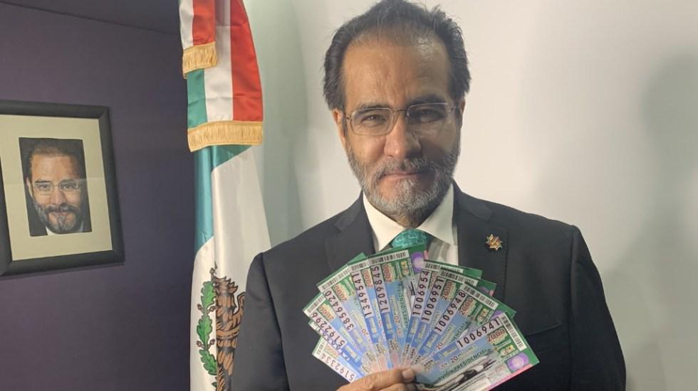 rene-bejarano-cachitos-avion-presidencial